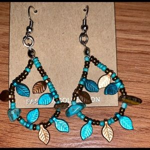 Leaf and beads dangle earrings NWT